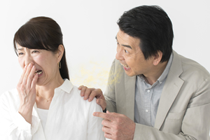インプラントで口臭が発生する原因